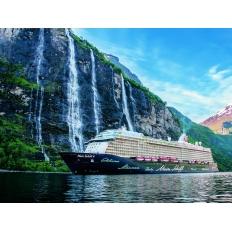Mein Schiff 4 im Fjord